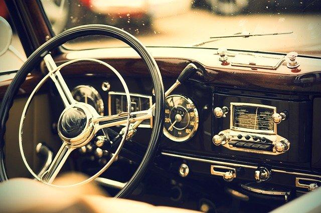 staré americké auto